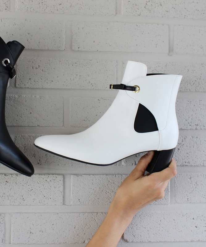 Eyelet Chelsea Boot - WH (아일렛 첼시 부츠)