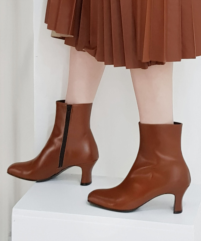 Slim Ankle Boots - BR (슬림 앵클 부츠)